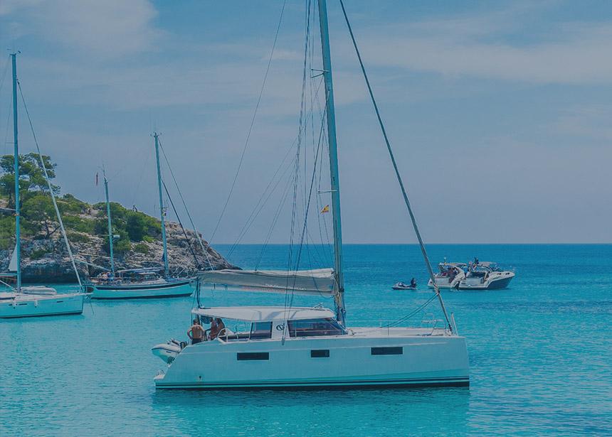 Tüm gulet, yelkenli, katamaran ve motoryat kiralamalarında tekne sahiplerinin verdikleri indirime ek 1.500 TL indirim ayrıcalığından yararlanın